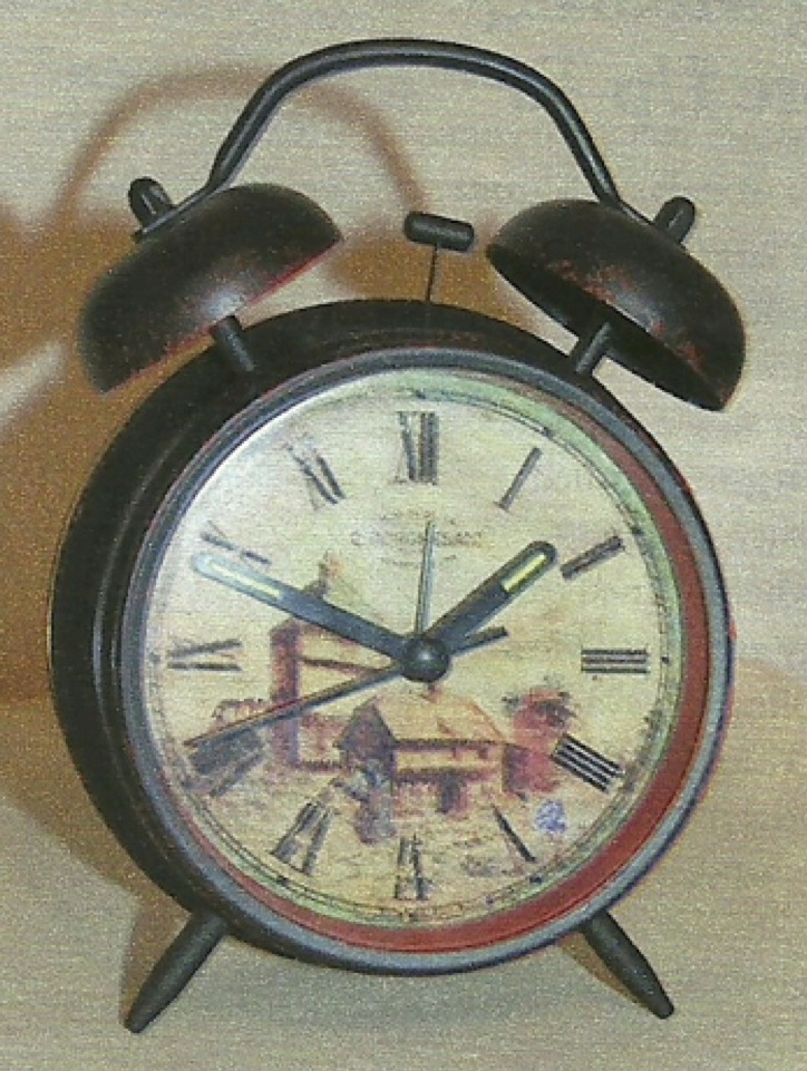 Old Fashion Alarm Clock (with light)
